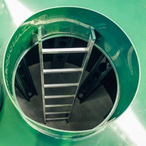 Все погреба Kellari комплектуются лестницами из алюминия